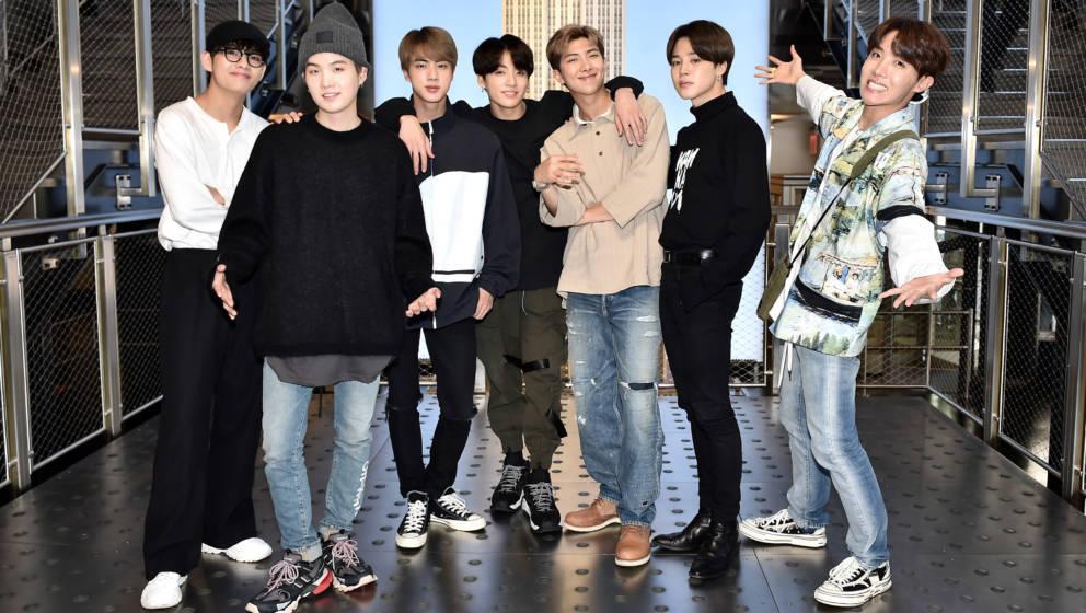 Die Originale: V, Suga, Jin, Jungkook, RM, Jimin, and J-Hope 2019 in New York.