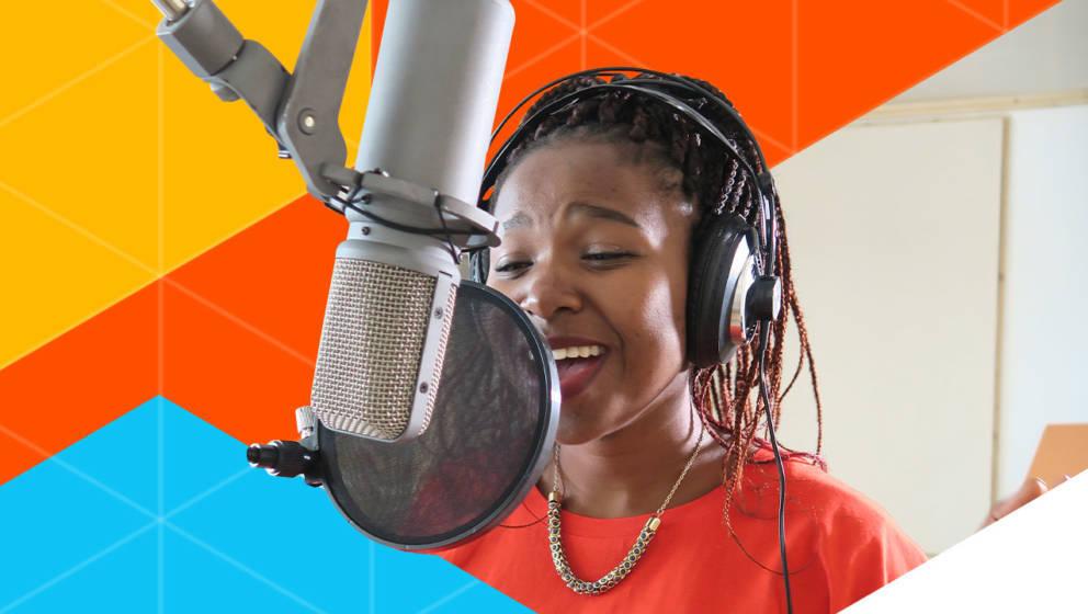 """Itumeleng Ralebitso wuchs im SOS-Kinderdorf von Lesotho auf. Am 22. November performt sie ihren Song """"Thank You"""" auf dem International Music Award in Berlin"""
