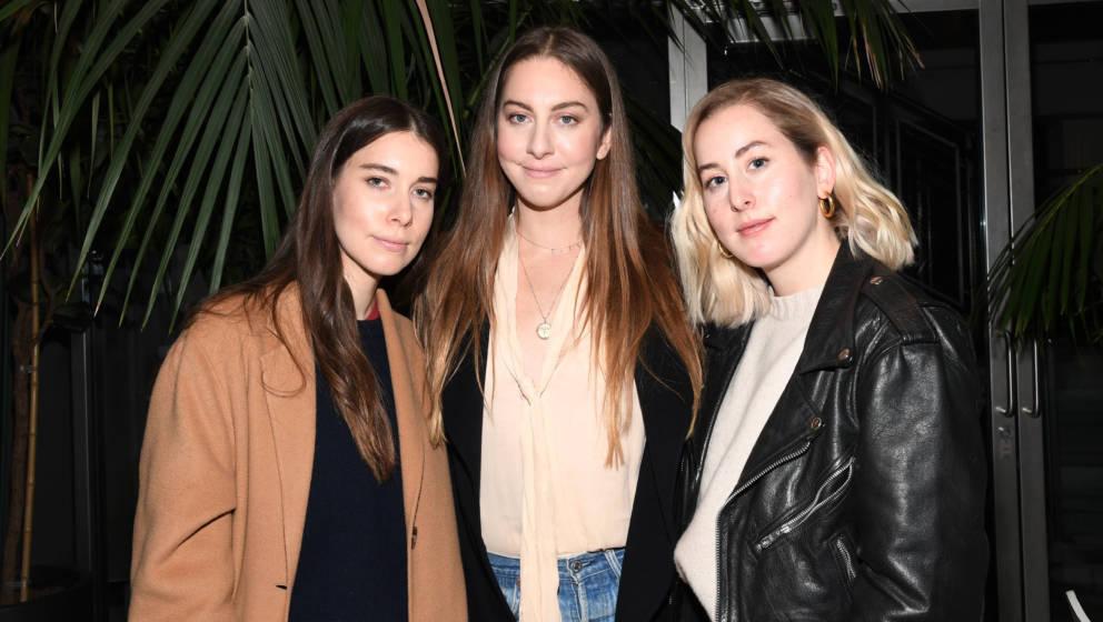 LOS ANGELES, CALIFORNIA - FEBRUARY 05:  Danielle Haim, Este Haim and Alana Haim attend the screening of 'Pen15' at NeueHouse