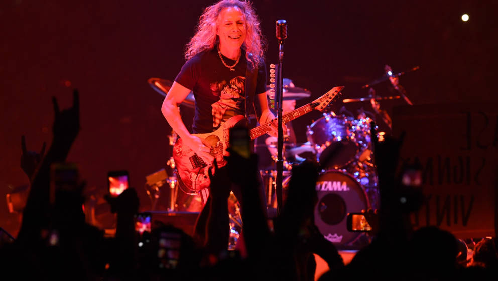NASHVILLE, TENNESSEE - JANUARY 24: Kirk Hammett of the band Metallica performs at Bridgestone Arena on January 24, 2019 in Na