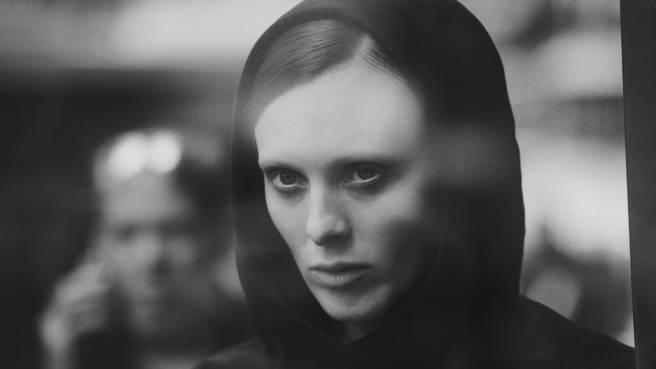 Karen Elson fotografiert von Peter Lindbergh