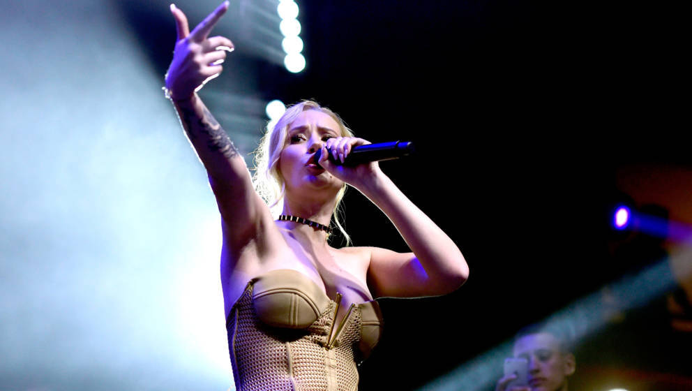 LOS ANGELES, CA - JULY 30:  Recording artist Iggy Azalea performs onstage during the 2016 MAXIM Hot 100 Party at the Hollywoo