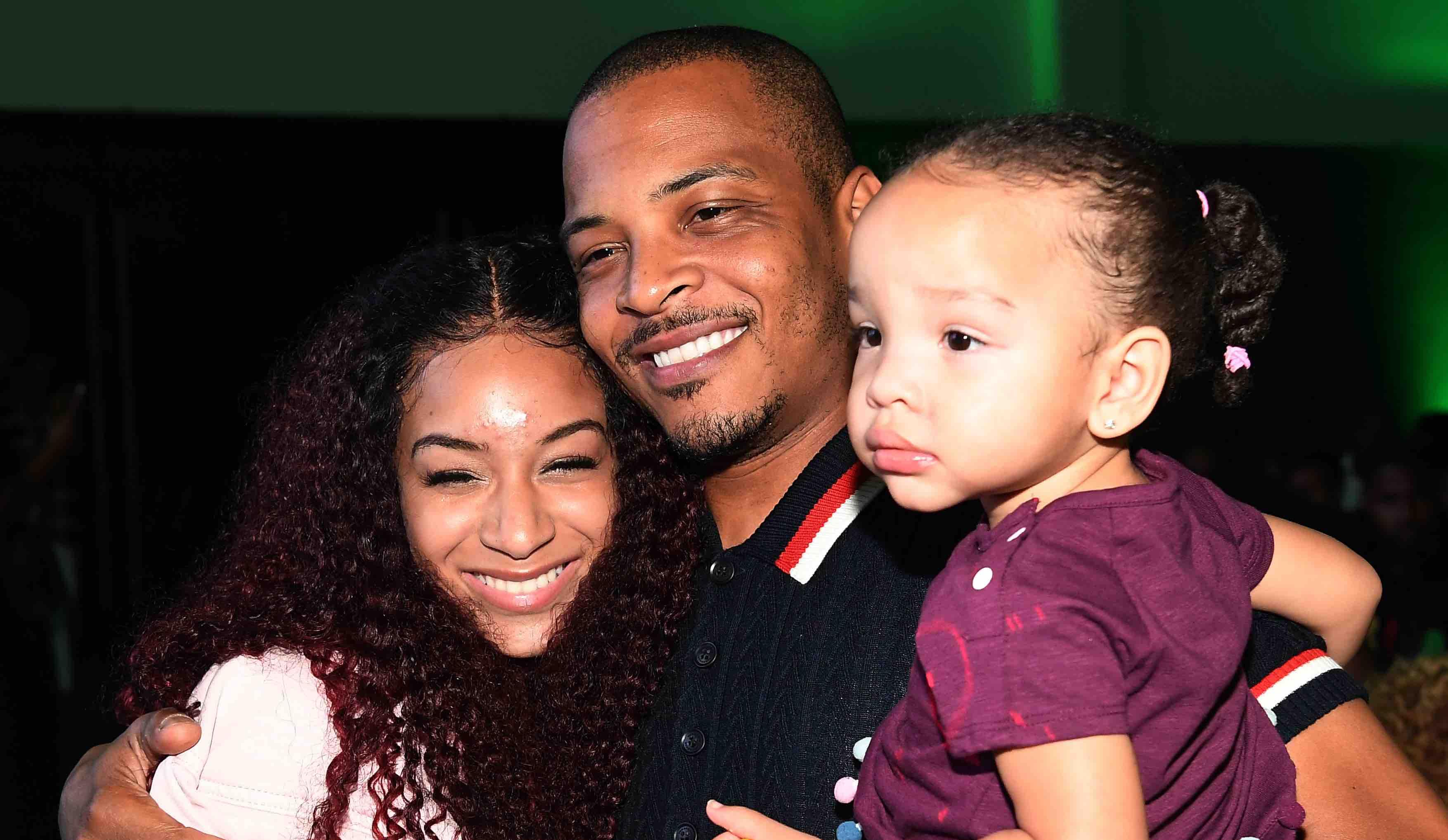 Inszeniert sich gerne als Familienmensch: T.I. mit seinen Töchtern, links Deyjah Harris