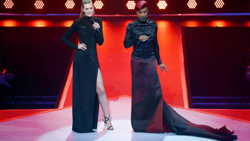 22.11.2019, Berlin: Toni Garrn, Model aus Deutschland, und  Billy Porter moderieren den International Music Award (IMA). Der