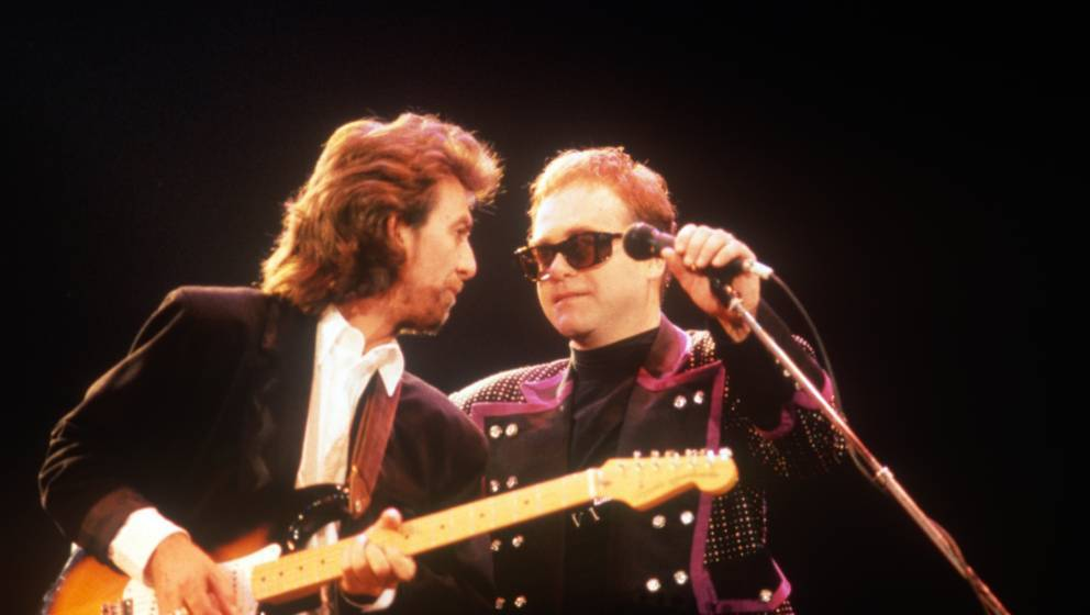 LONDON, UNITED KINGDOM - JUNE 05: George Harrison and Elton John at the Prince's Trust Concert on June 05, 1987 in London, Un