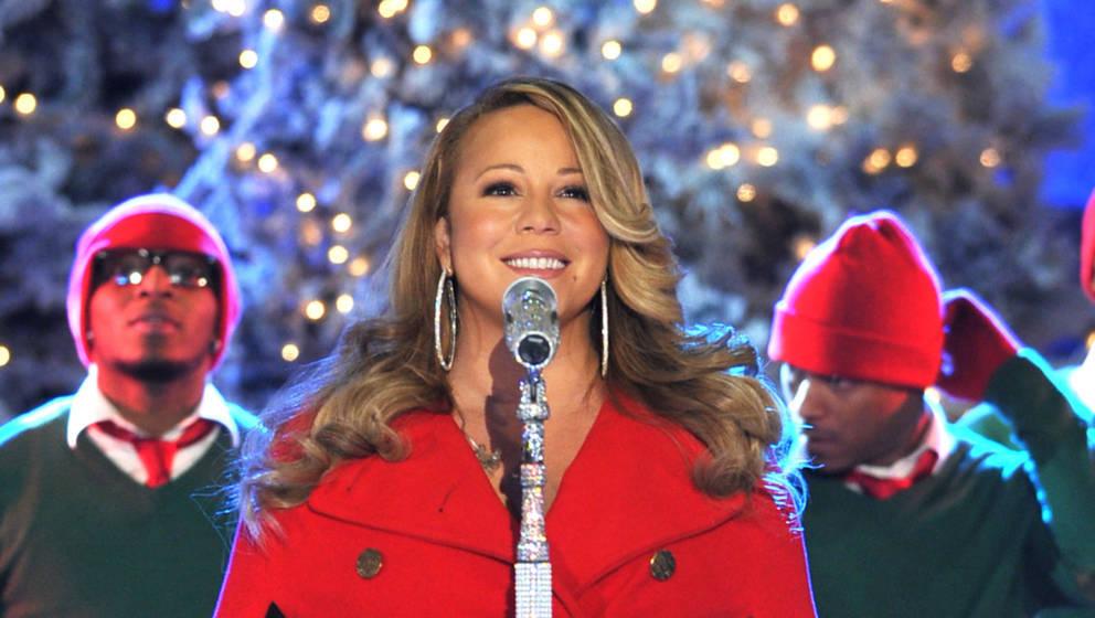 Mariah Carey unter dem großen Weihnachtsbaum am Rockefeller Center in New York