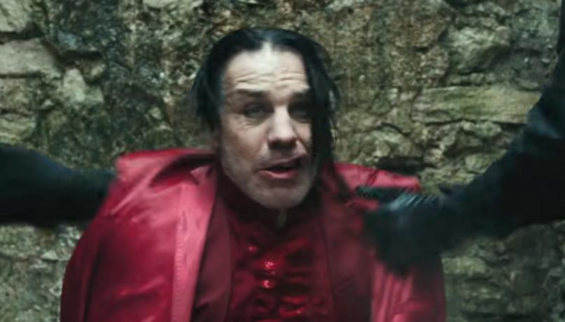 """Quittung für den Frauenhelden: Till Lindemann im Video zu """"Ach so gern"""""""