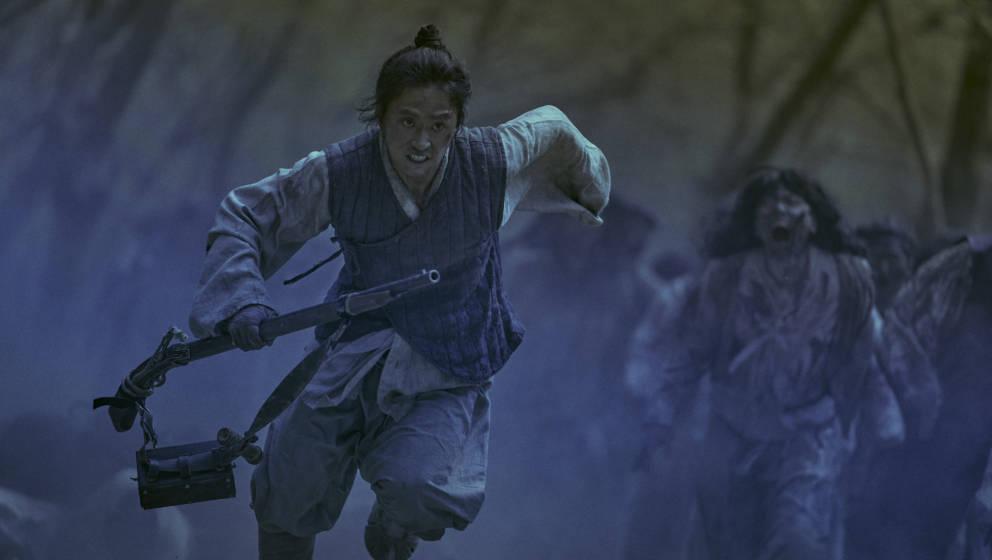 Die südkoreanische Netflix-Serie vermischt Horror, Action sowie Mystery und bringt Zombies ins Mittelalter.
