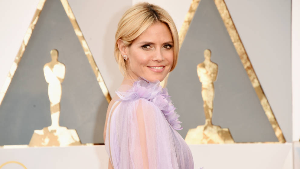 HOLLYWOOD, CA - FEBRUARY 28:  Model Heidi Klum attends the 88th Annual Academy Awards at Hollywood & Highland Center on F