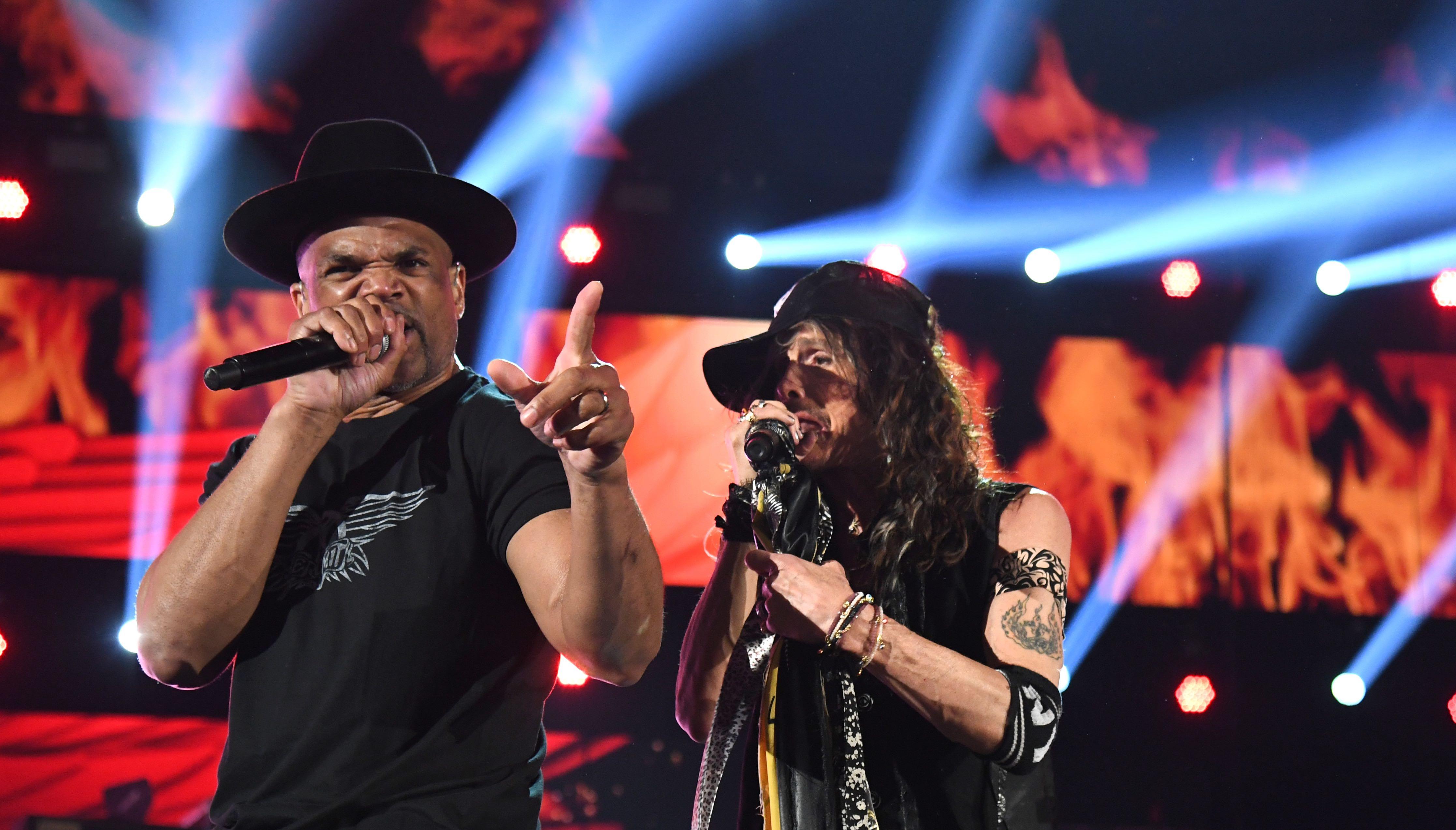 """Grammys 2020: Aerosmith spielen """"Walk This Way"""" mit..."""