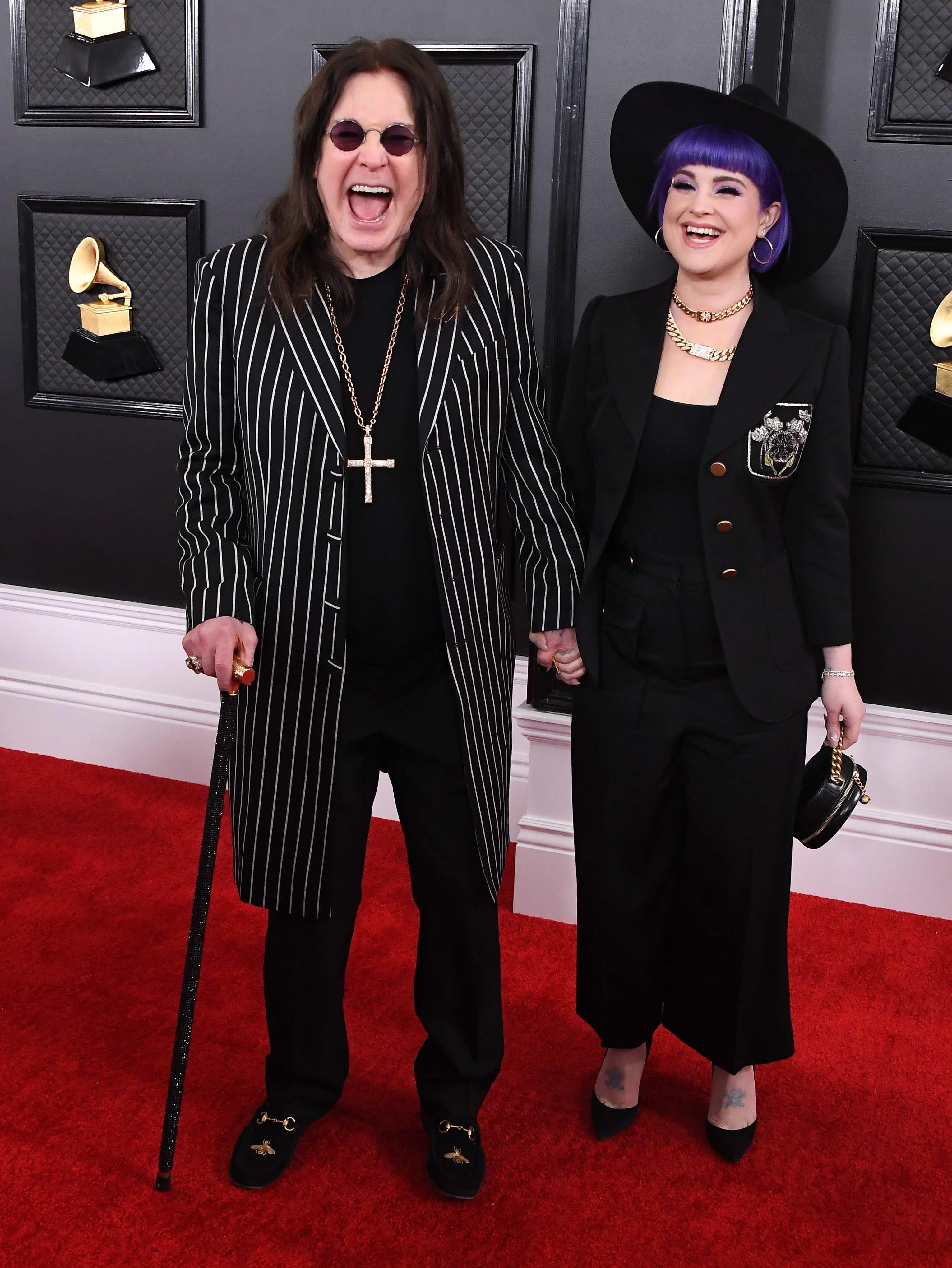 Kam mit Stock und Tochter Kelly zu den Grammys: Ozzy Osbourne
