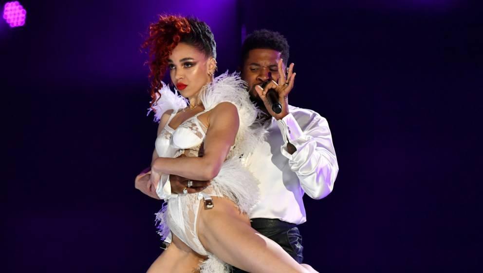 Usher und FKA twigs bei den Grammys