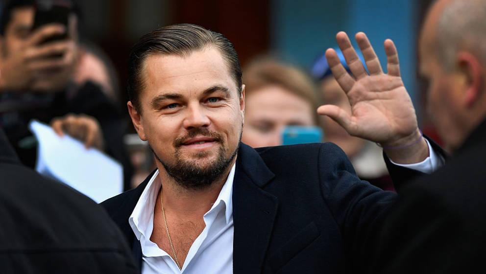 EDINBURGH, SCOTLAND - NOVEMBER 17:  Hollywood actor Leonardo DiCaprio arrives at Home restaurant during his first visit on No