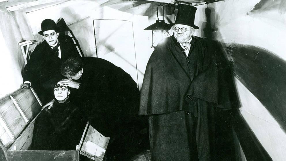 "Filmszene aus ""Das Cabinett des Dr. Caligari"""