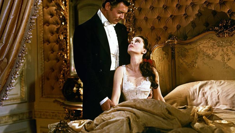 Actors Clark Gable (1913 - 1967) and Vivien Leigh as Rhett Butler and Scarlett O'Hara (1901 - 1960) in the film 'Gone with th