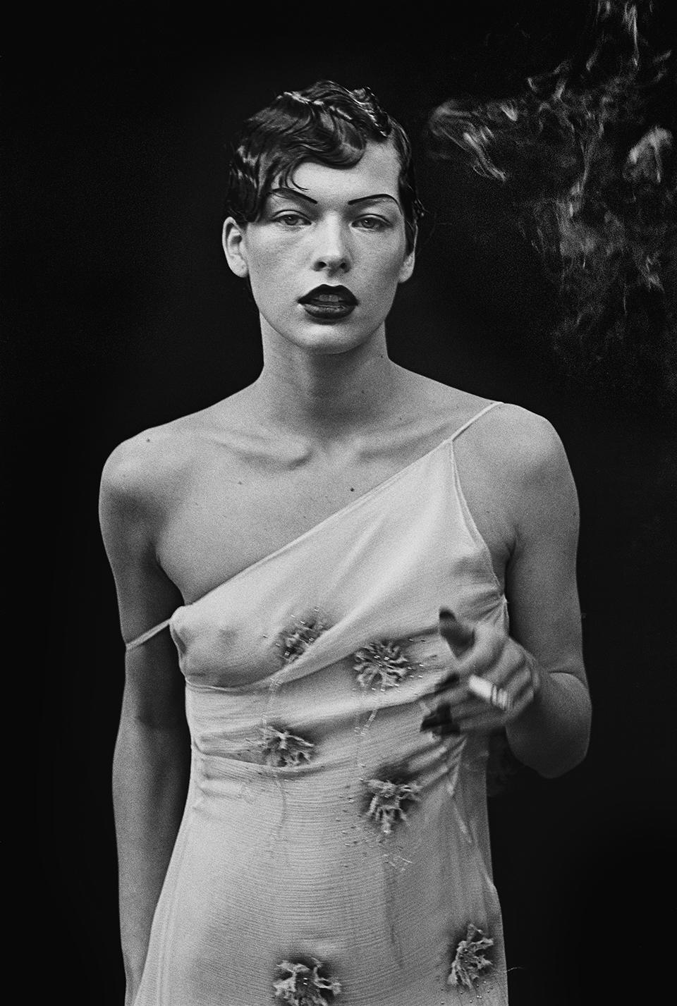 Milla Jovovich, Paris, 1998