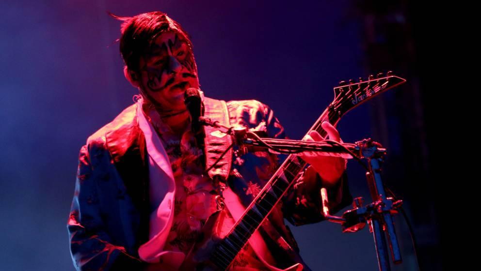 Wes Borland von Limp Bizkit an seiner Gitarre