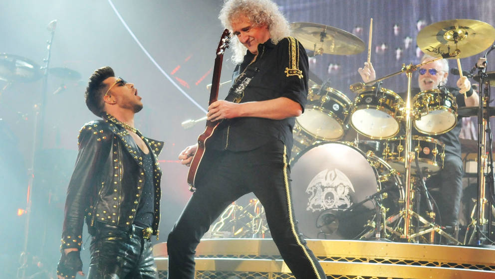 LONDON, ENGLAND - JANUARY 17:  Adam Lambert performs with Brian May and Roger Taylor of Queen at 02 Arena on January 17, 2015