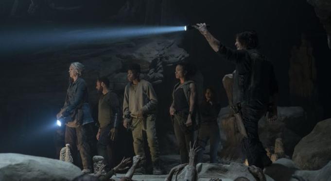 """Licht ins Dunkel bringen: Szene aus der aktuellen Episode von """"The Walking Dead"""""""