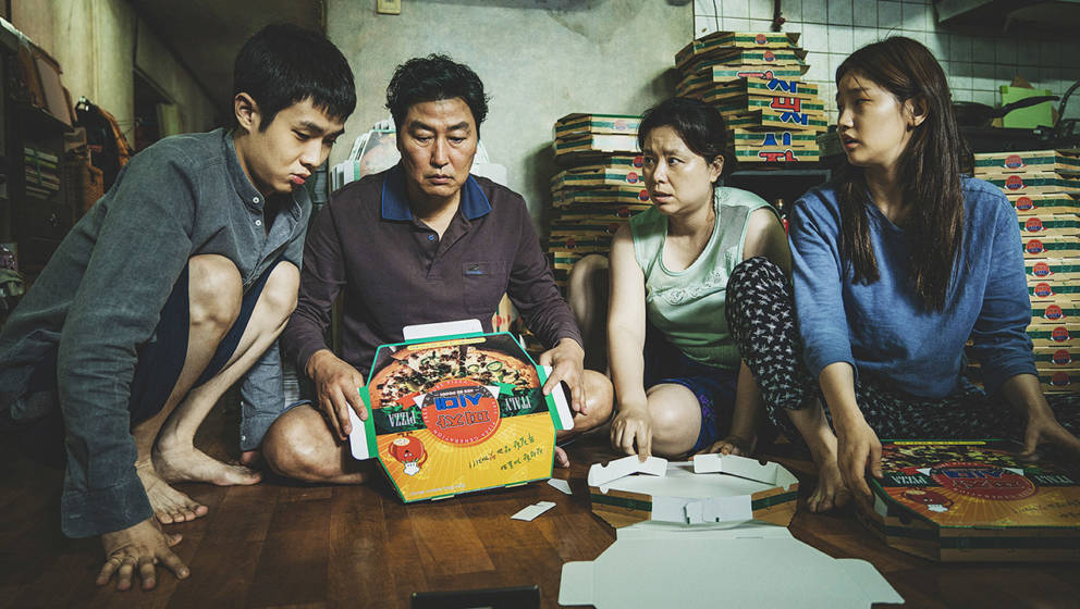 """Szene aus """"Parasite"""": Familie Kim lebt zu viert in einer Kellerwohnung"""