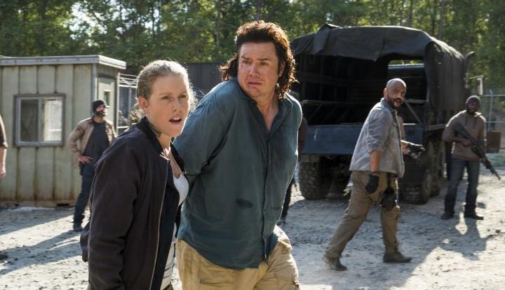 Was man so in der Not tut: Laura (Lindsley Register) und Eugene ( Josh McDermitt)