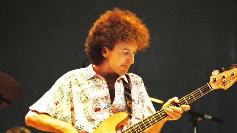 John Deacon beim legendären Live-Aid-Konzert von Queen 1985