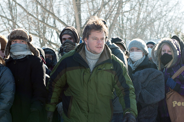 "Matt Damon unter Vermummten im Soderbergh-Thriller ""Contagion"""