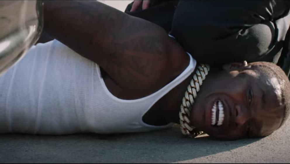 Der US-amerikanische Rapper hat während seiner Performance die letzten Momente des ermordeten George Floyd nachgestellt