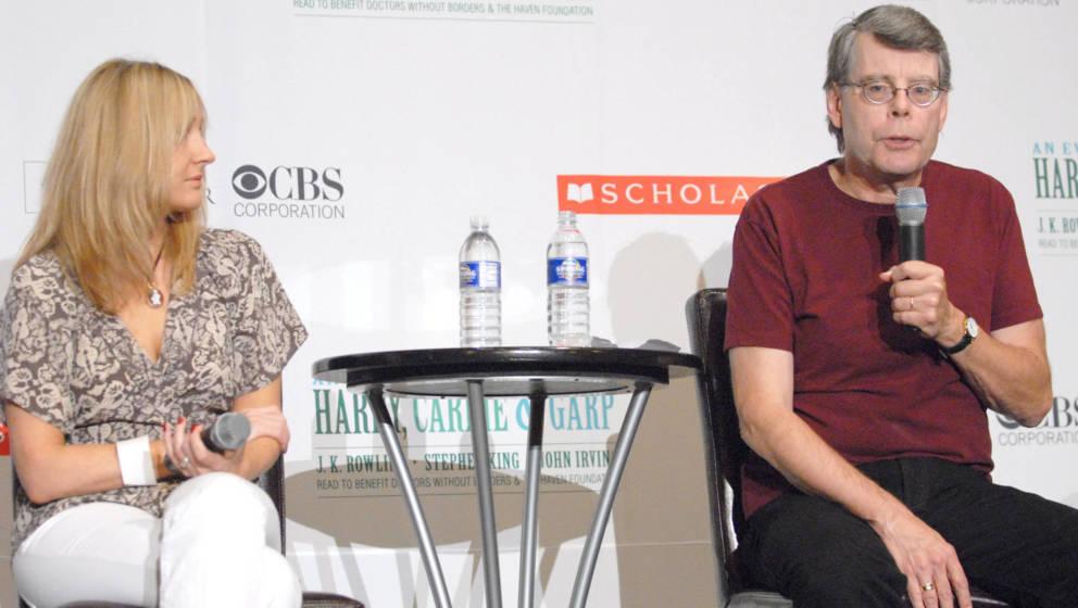 Da haben sie sich noch verstanden: J.K. Rowling und Stephen King bei einer Pressekonferenz in der New Yorker Radio City Music