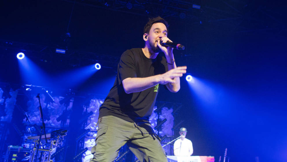 Multitalent Mike Shinoda 2019 bei einem Konzert in Paris