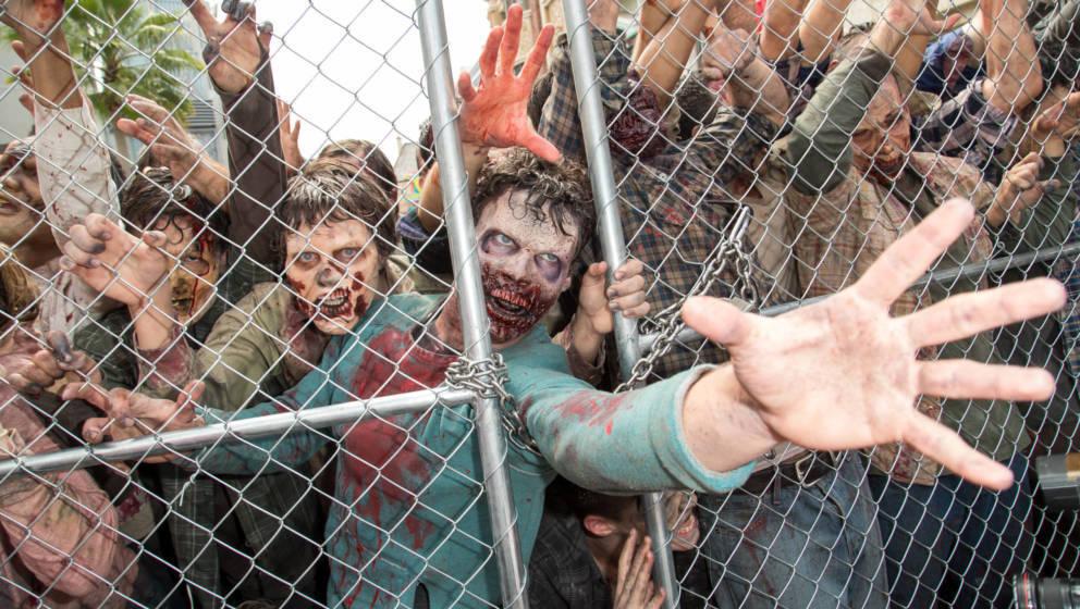 "Ausschnitt aus der Horrorserie ""The Walking Dead"""