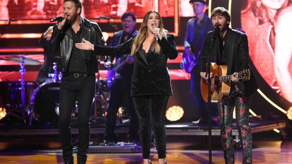 Die neu umbenannte Countryband 'Lady A' (Vorher Lady Antebellum) bei einem Auftritt in Nashville, Tennessee, 2019.