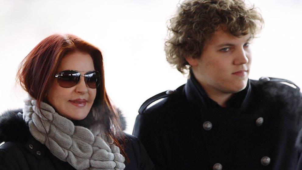 Elvis Presleys Ex-Frau Priscilla Presley mit ihrem Sohn Benjamin Keough (1992-2020)