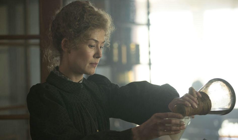 """Szene aus """"Marie Curie – Elemente des Lebens"""""""