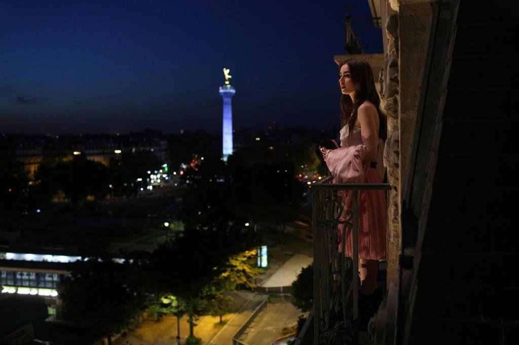 """""""Emily In Paris"""""""