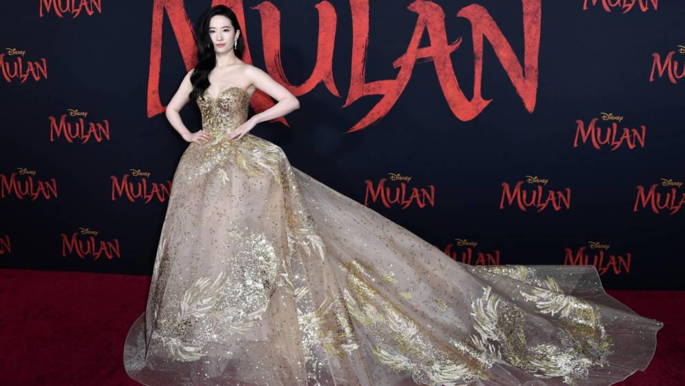 Hauptdarstellerin Yifei Liu bei der Mulan-Hollywood-Premiere im März 2020