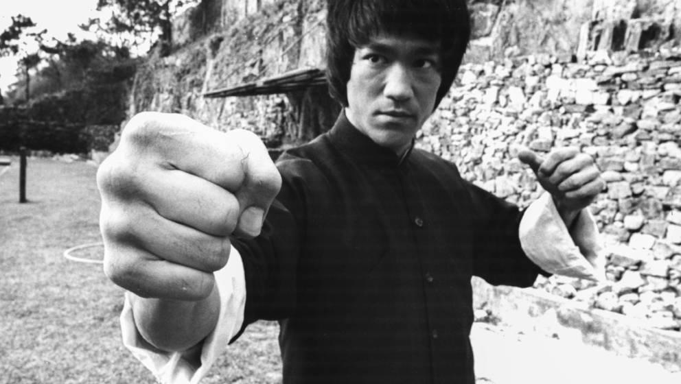 Bruce Lee in typischer Pose