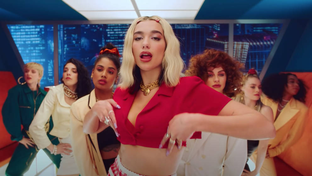 "Dua Lipa in ihrem Video zu ""Break My Heart"""