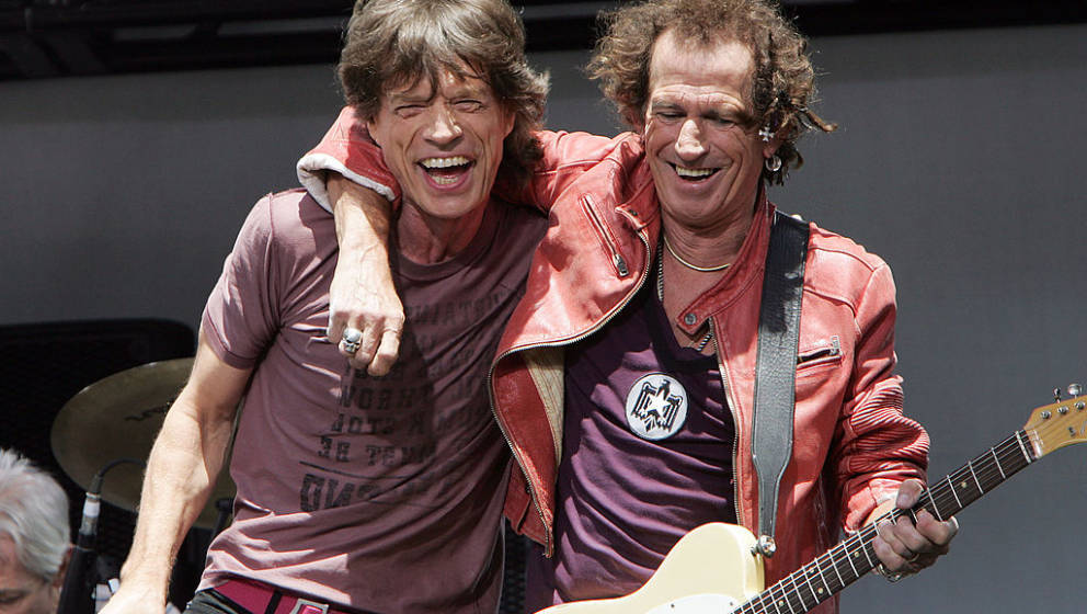NEW YORK - MAY 10:  Keith Richards (R) and Mick Jagger of The Rolling Stones perform onstage during a press conference to ann
