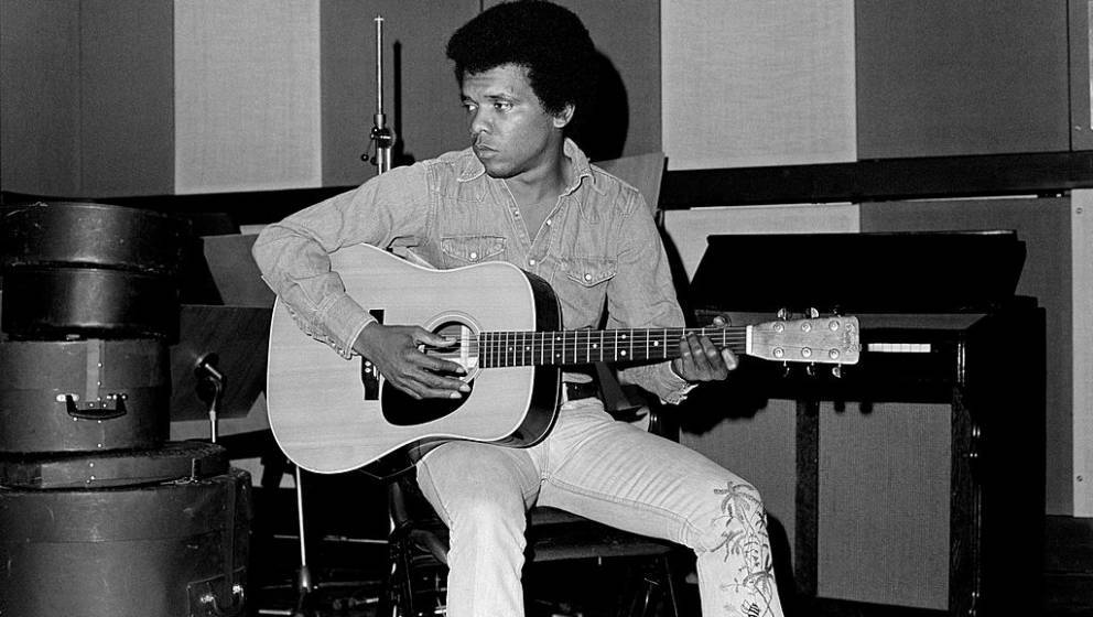 Johnny Nash recording at Whitfield Street Studios, London 01/01/1975 (Photo by Tom Sheehan/Sony Music Archive via Getty Image