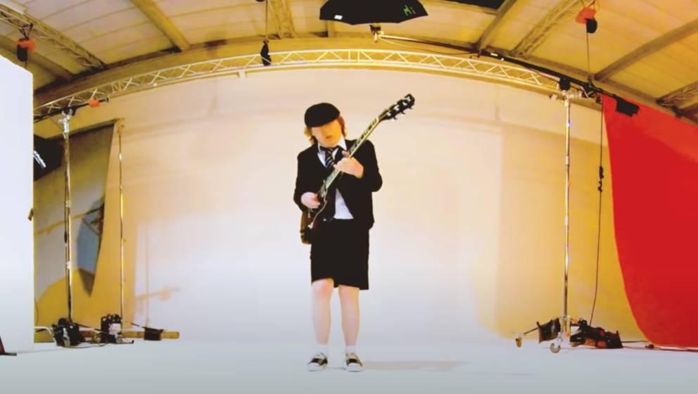 """Angus Young im zweiten Teaser für """"Power Up"""""""