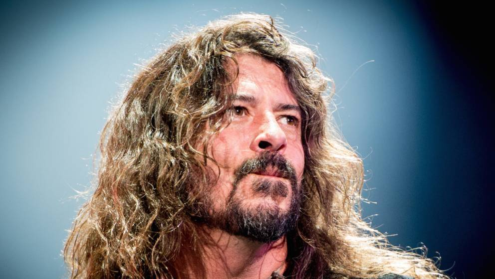 QUEBEC CITY, QC - JULY 09:  Dave Grohl of The Foo Fighters performs as the headliner on the mainstage at The Plains of Abraha