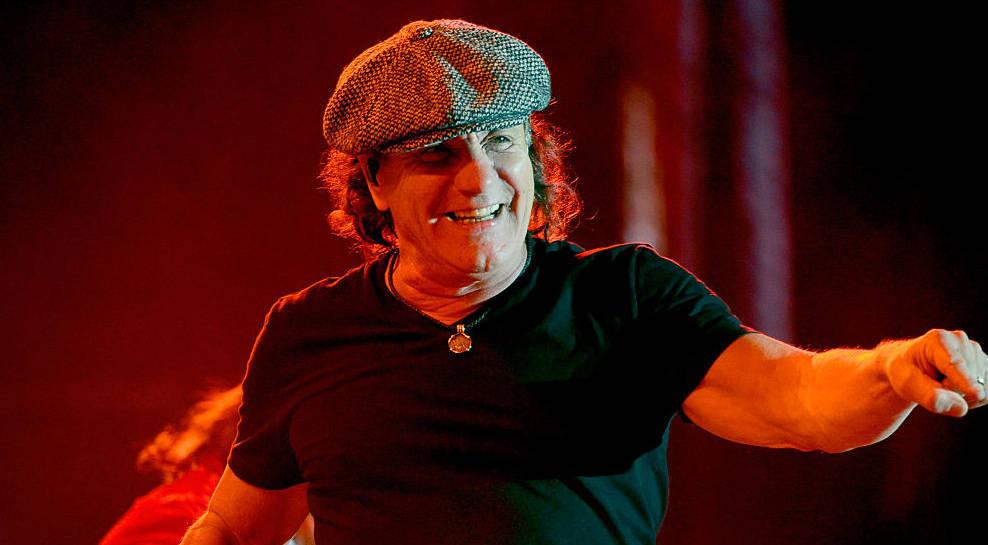 Brian Johnson hier live mit AC/DC im Jahr 2015.