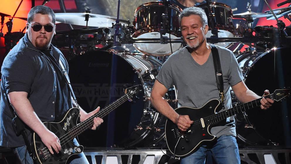 Eddie Van Halen mit Sohn Wolfgang auf der Bühne