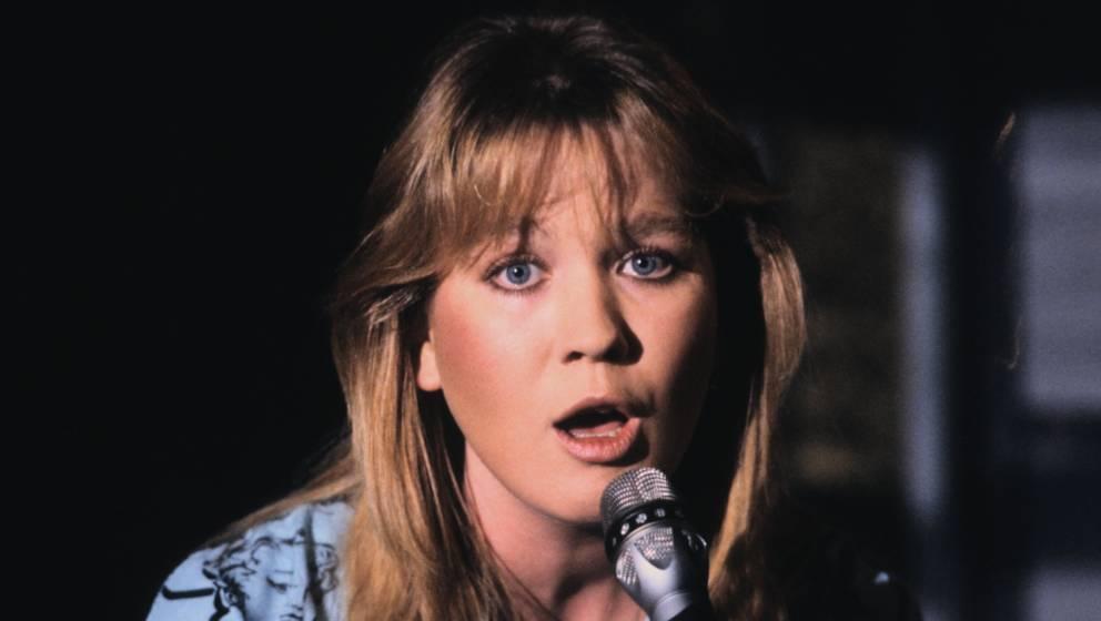 Juliane Werding, ZDF-Musik-Show 'Die Super-Hitparade - Hits des Jahres '85', 30.01.1986, Deutschland, Mikro, Mikrofon, singen