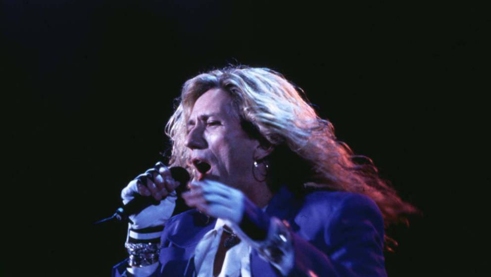 David Coverdale bei einem Live-Auftritt von Coverdale/Page in Japan im Jahr 1993.