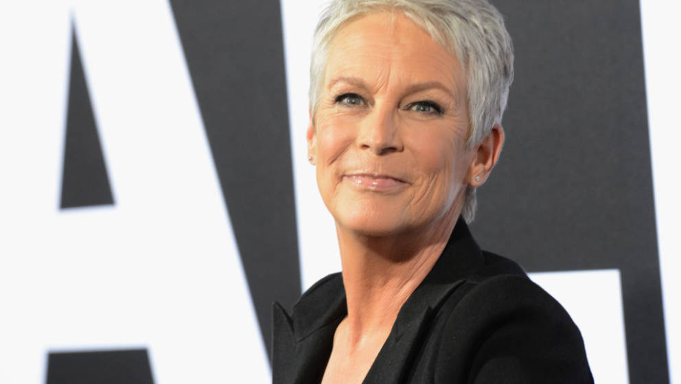 HOLLYWOOD, CA - OCTOBER 17:  Actress Jamie Lee Curtis arrives for the Universal Pictures' 'Halloween' Premiere held at TCL Ch