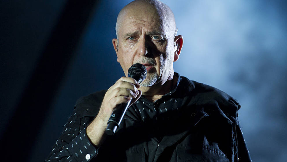 GENEVA, SWITZERLAND - OCTOBER 08:  Peter Gabriel performs during his 'So' Back To Front tour at the Arena on October 8, 2013