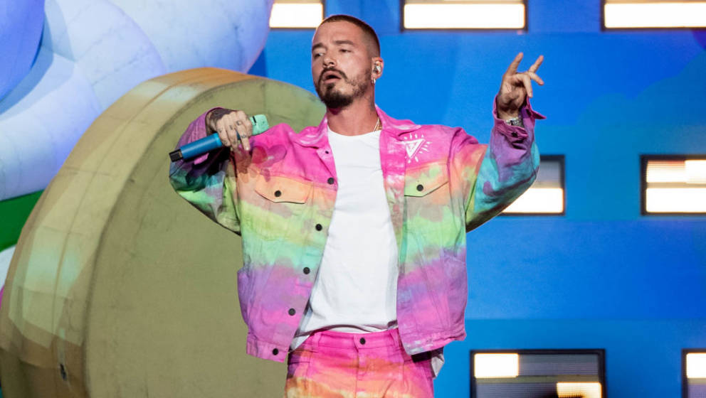 LOS ANGELES, CALIFORNIA - OCTOBER 26: J Balvin performs onstage at Staples Center on October 26, 2019 in Los Angeles, Califor