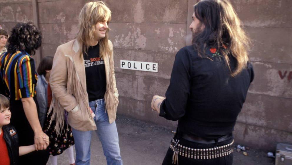 (MANDATORY CREDIT Watal Asanuma/Shinko Music/Getty Images) Ozzy Osbourne with Lemmy from Motorhead, backstage at Heavy Metal